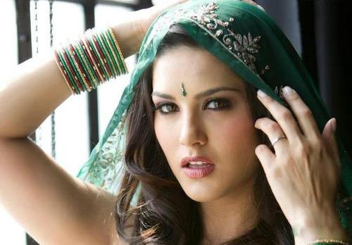 Sunny-Leone-Without-Makeup.2