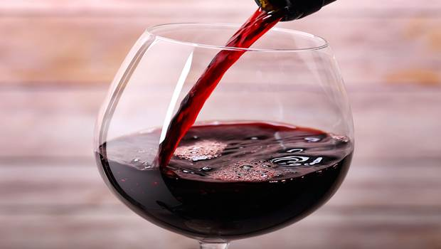 5 Amazing Benefits of Red Wine for Anti-aging