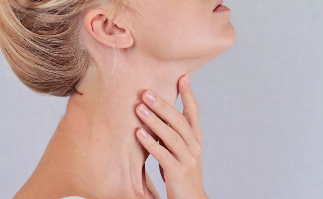 Overview And Symptoms of Hashimoto's Disease