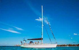 Yacht rentals in Cancun, sailboat bavaria 44 feet, romantic dinner, sunset cruise, long charter, sleep on board, sailboat, cancun, isla mujeres