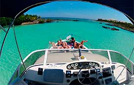 Yacht-Rentals-in-Cancun-Sea-Ray-40-pies-Puerto-Aventuras-Private-Charter-4-Hours-In-Ha-Turtle-Snorkel-Tour