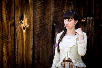 [Mode] Une tenue de mariage façon Gothic Lolita (par Yacine Belkheiri)