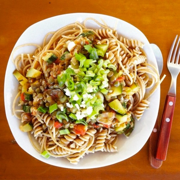 Pasta Integral with vegetables and herbs