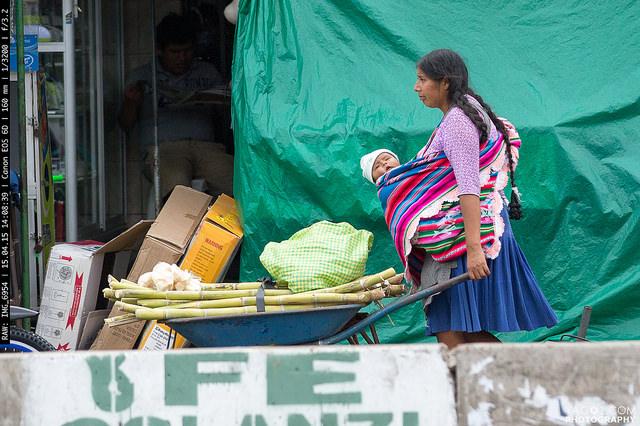 SantaCruzDeLaSierra Mobile Vendor With Child Bolivia