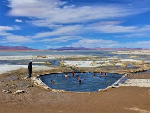 Bolivie Sud Lipez salar de Chalviri eaux thermales
