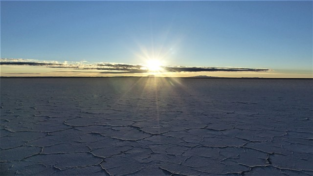 Bolivie Salar de Uyuni lever de soleil