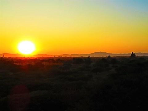 Myanmar Bagan coucher de soleil temple 761