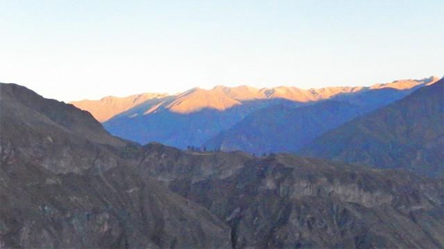 Pérou Cañon del Rio Colca lever de soleil