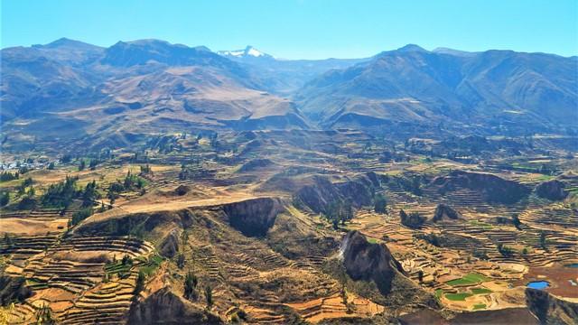 Pérou Cañon del Rio Colca volcan Mismi