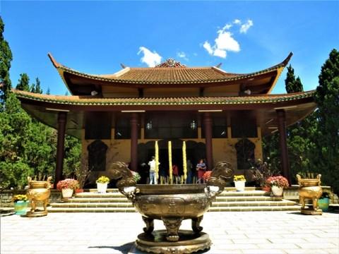 Vietnam Dalat monastère Truc Lam