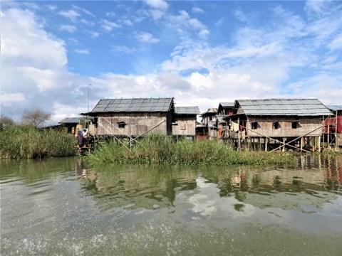 Myanmar Lac Inle village flottant