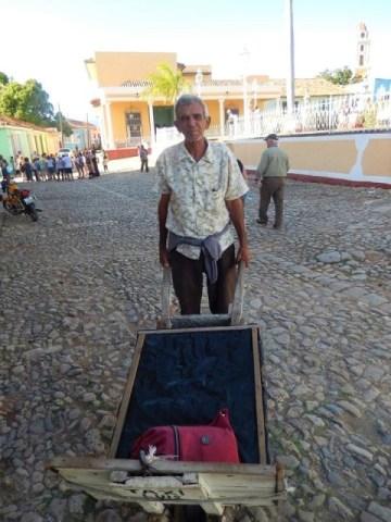 Cuba Trinidad taxi brouette