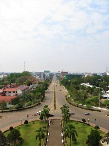 Laos Vientiane Patuxai champs élysées