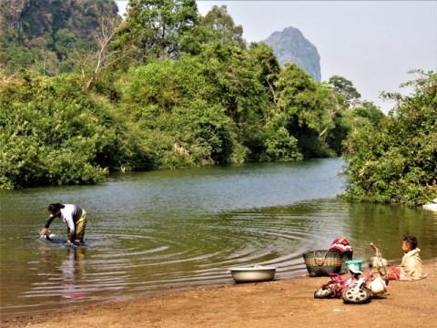 Laos boucle scooter de Thakhek Tha Falang Lake