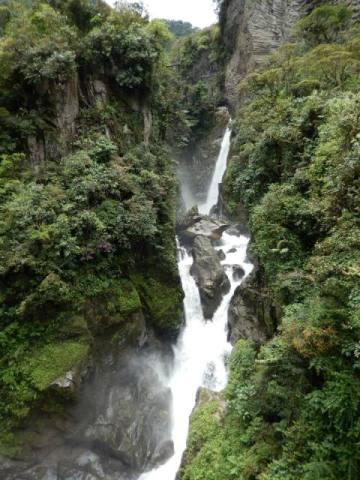 Equateur Banos route des cascades pailon del diablo