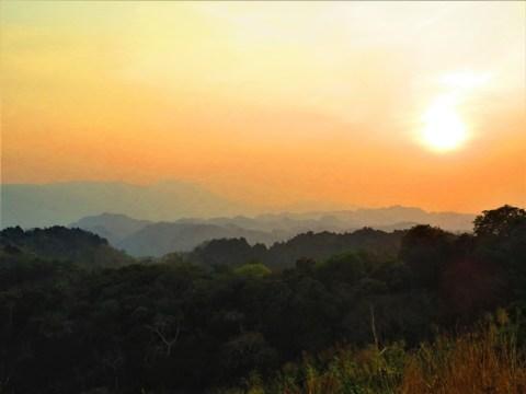 Laos boucle scooter de Thakhek Khoum Khan coucher de soleil