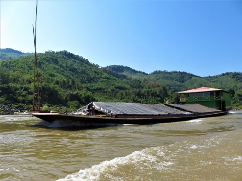 Laos Thaïlande Mékong bateau