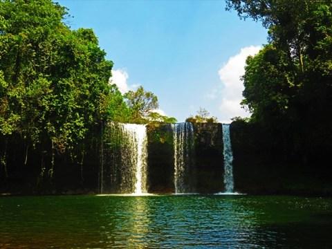 Laos Plateau des Bolovens cascade Tat Champee