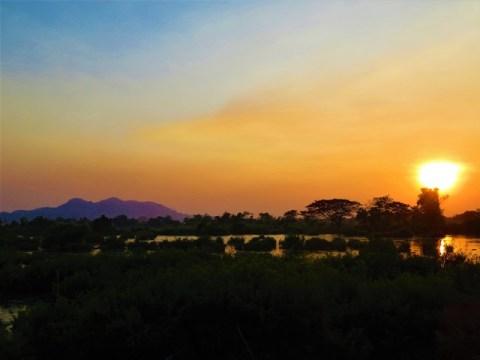 Laos 4000 îles Don Det coucher de soleil