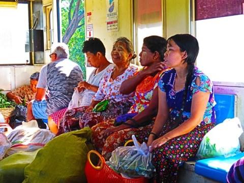Myanmar Yangon train circulaire