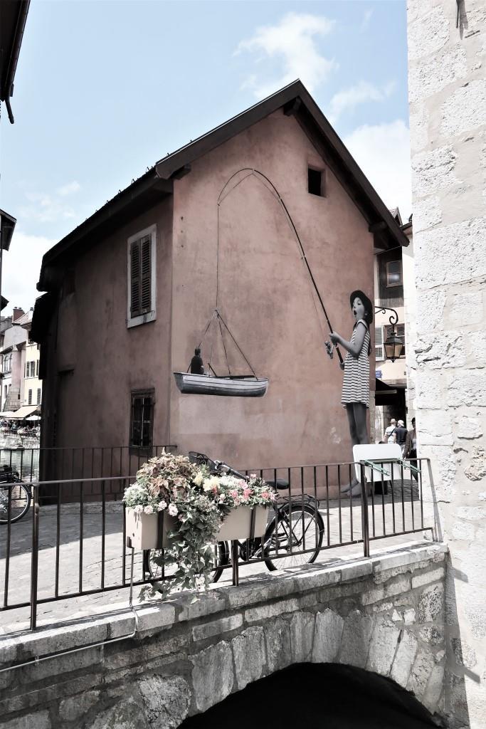 Annecy vieille ville street art