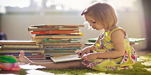 10 نصائح لتعليم طفلك القراءة بكل سهولة