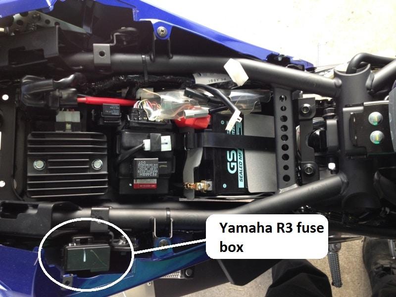 yamaha r3 fuse box location
