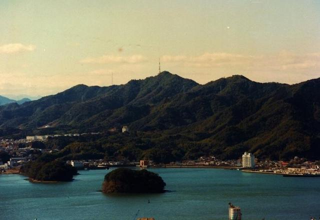 南嶺 - なんれい:烏帽子山:標高359m-中国・四国 - Yamakei Online / 山と溪谷社
