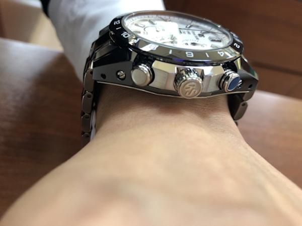 腕時計 グランドセイコー  マスターショップ限定モデル  SBGC221  スプリングドライブを着用