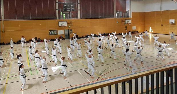 Okuma Lehrgang Hallenbild