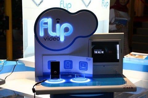Duo camcorder Flip Video terbaru dari Cisco 1
