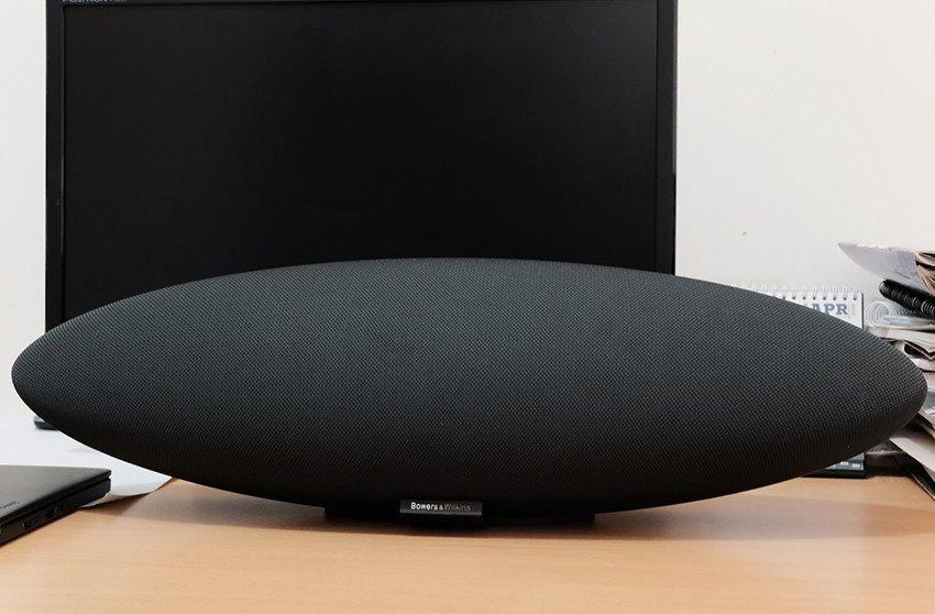 B&W Zeppelin Wireless-5
