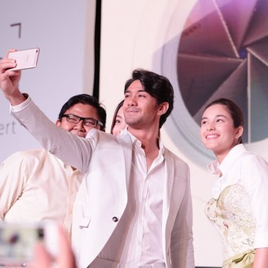 oppo f1s selfie expert with chelsea and reza