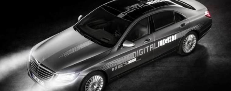 mercedes-digital-light-1