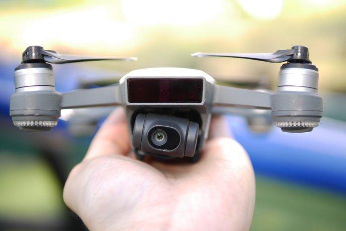 Review DJI Spark: Drone Mungil Pintar yang Sangat Mudah Diterbangkan 7