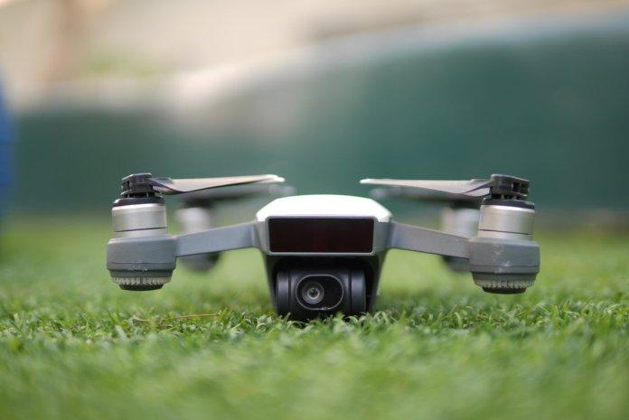 Review DJI Spark: Drone Mungil Pintar yang Sangat Mudah Diterbangkan 5