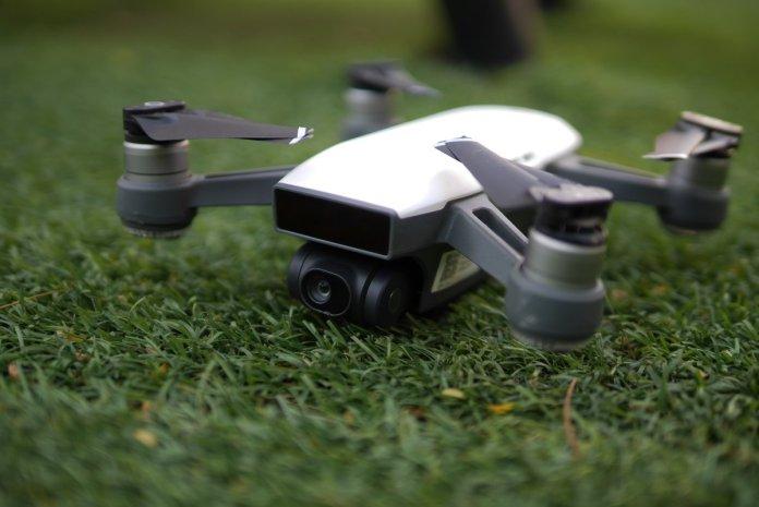 Review DJI Spark: Drone Mungil Pintar yang Sangat Mudah Diterbangkan 11