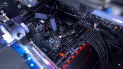 Posisi Mini ITX berada di atas PSU E-ATX.