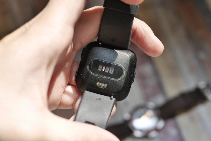 Review Fitbit Versa: Alternatif Apple Watch, Harga Lebih Murah dan Tahan Air 3