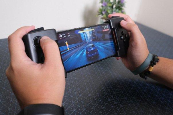 Asus ROG Phone (8)