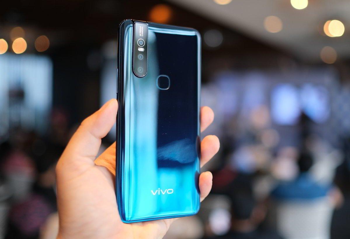 Review Vivo V15 Smartphone Layar Penuh Dengan Kamera Depan Pop Up