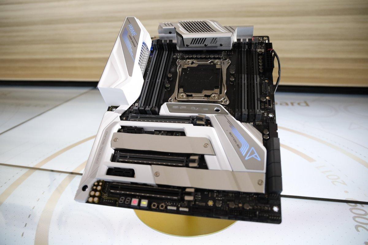 Rayakan Hari Jadi yang Ke-30, ASUS Umumkan ZenFone 6, ZenBook dan Motherboard Prime X299 Edition 30 24 ASUS ZenFone 6 Edition 30, Computex 2019, harga, Motherboard ASUS Prime X299 Edition 30, spesifikasi, ZenBook Edition 30 (UX334FL)