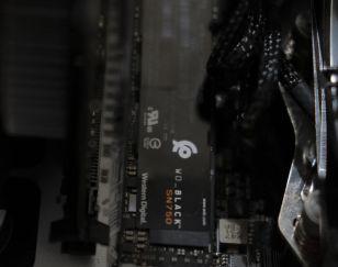 WD Black SN750 NVME SSD inside