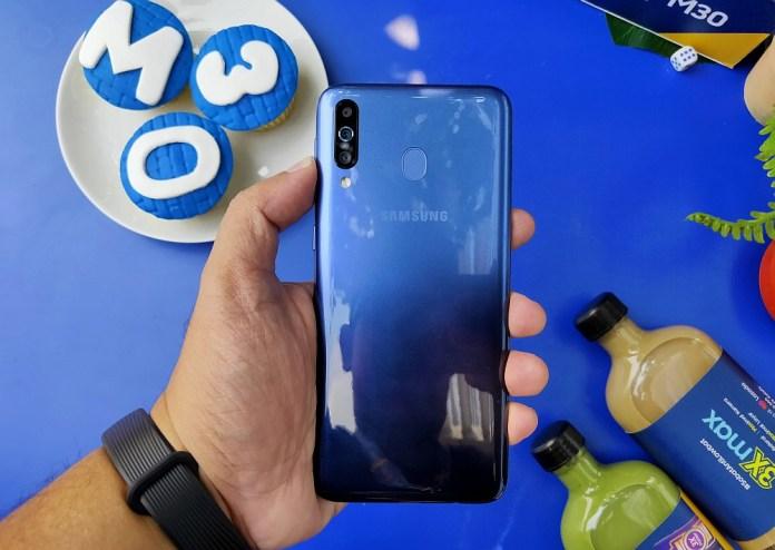 Review Samsung Galaxy M30: Fitur Lebih Menggiurkan, Baterai Tetap Ekstra Besar 5