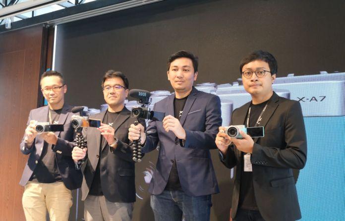 Fujifilm X A7 1 1