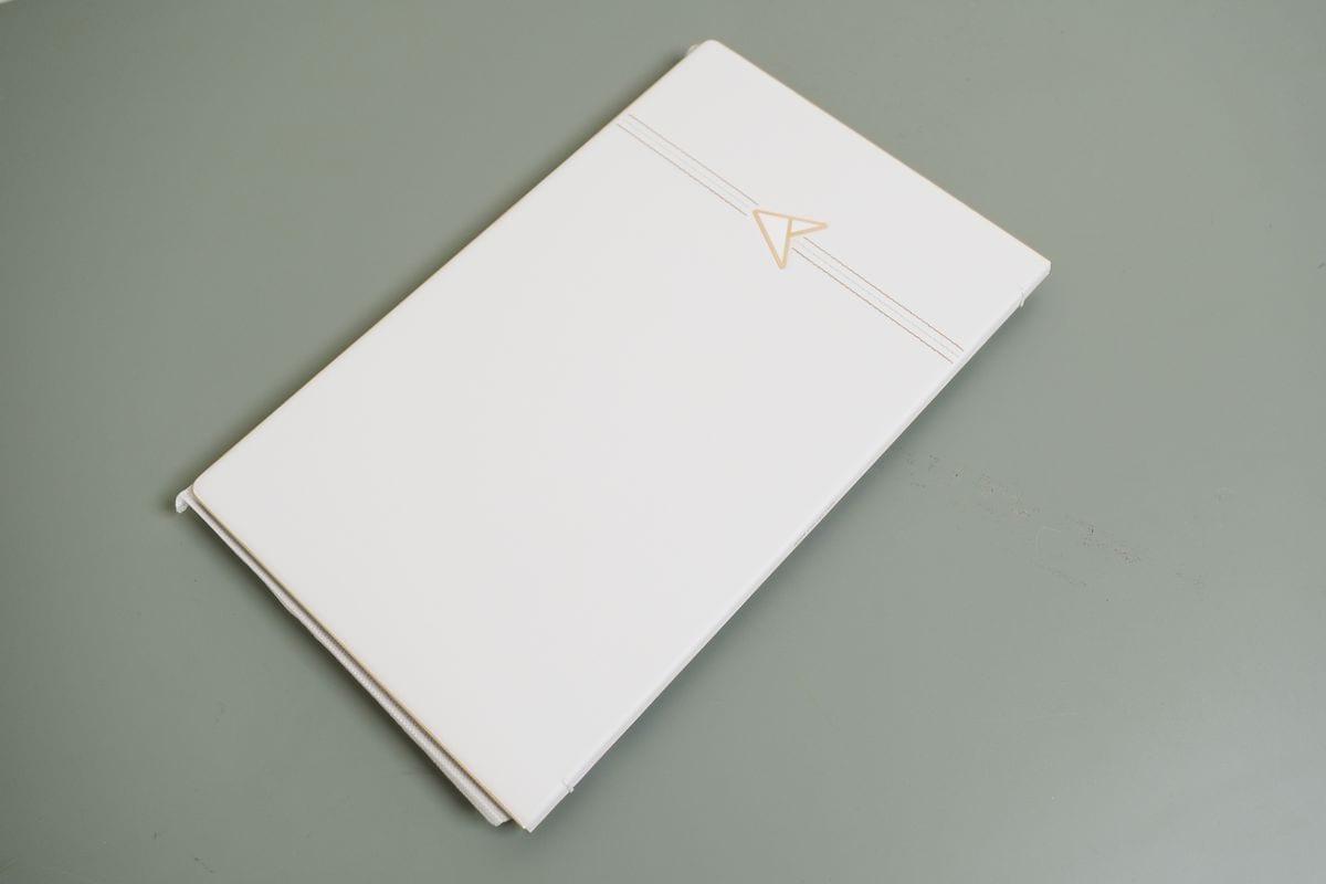 ASUS ZenBook 13 30th Anniversary 1