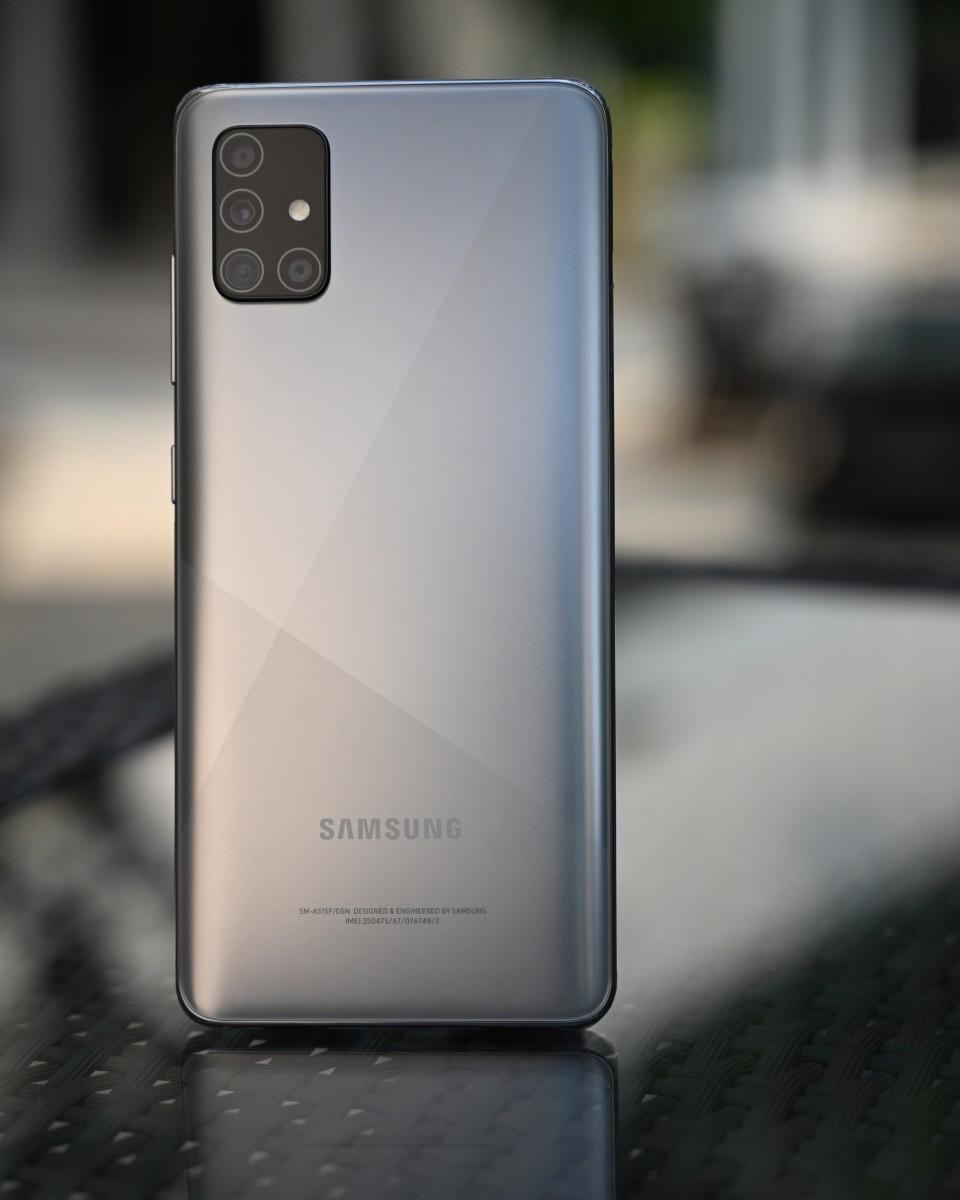 Galaxy A51 Galaxy A71 Haze Crush Silver 1