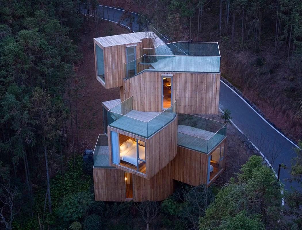 Qiyun_mountain_tree_house