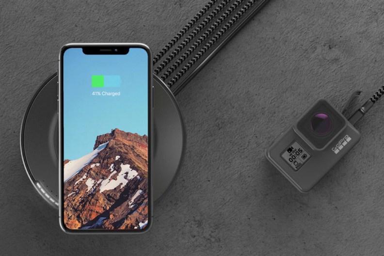 nomad_wireless_charging_hub_01