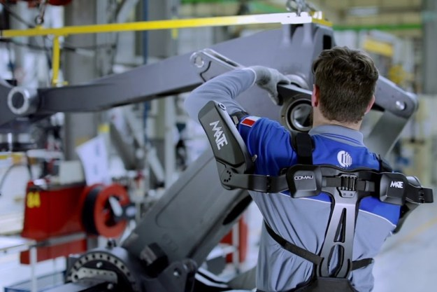 comau_mate_exoskeleton_5 The MATE is a purely mechanical exoskeleton that augments human strength Design